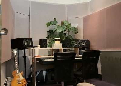 Hammersmith studio to let mjq.co.uk May 2020