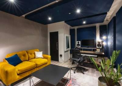 MJQ NW London Studios to Let